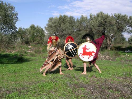 Σκηνή μάχης Πελταστή ενάντια σε κατάφρακτους Οπλίτες, σκηνές που θα συνέβησαν μαζικά κατά τηνδιάρκεια του Πελοπονησιακού Πολέμου και στα ύστερα χρόνια.