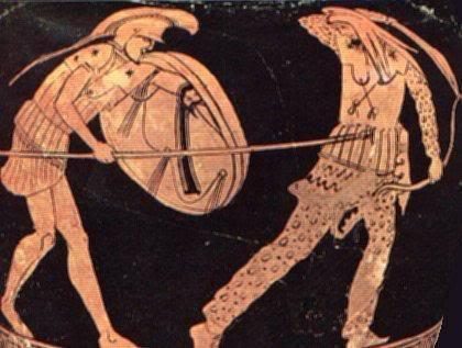 Έλληνας Οπλίτης πλήττει με δορατισμό Πέρση αντίπαλο). Στην συγκεκριμένη σκηνή οΈλληνας Οπλίτης κρατάει το δόρυ σε οριζόντια θέση στο ύψος της μέσης του καταφέρνοντας επιτυχές χτύπημα στηνκοιλιακή-βουβωνική περιοχή του αντιπάλου του. Μία τέτοια λαβή του δόρατος δεν θα μπορούσε να επιλεχθεί σε σχηματισμόφάλαγγας για πρακτικούς και μόνο λόγους. Το πίσω μέρος του κονταριού ήταν βέβαιο ότι θα προσκολλούσε στην ακριβώςπίσω σειρά και γενικά θα δημιουργούσε πολλά προβλήματα τραυματισμών, κινητικότητας κλπ. Στην καλύτερη περίπτωσημονάχα η μπροστινή σειρά θα μπορούσε να εκτελέσει τέτοιου είδους ελιγμό. Η συμπλοκή τέτοιου είδους ήταν δυνατήμονάχα σε ατομικές ανοιχτές μάχες . Ερυθρόμορφος αμφορέας του 5ου π.Χ αιώνα (Νέα Υόρκη, Μητροπολιτικό Μουσείο). Image may be copyrighted