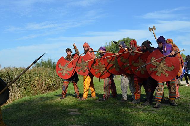 """Φωτογραφία: Πέρσες Πολεμιστές. Αρχαιολογικό Φεστιβάλ Biskupin 2011 / Πολωνία . Σύλλογος Ιστορικών Μελετών """"ΚΟΡΥΒΑΝΤΕΣ"""""""