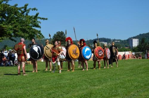 """Φωτογραφια: Αρχαιολογικο Φεστιβάλ """"Gallo-roman Days"""" 2012, Παράταξη Οπλιτών . Σύλλογος Ιστορικών Μελετών ΚΟΡΥΒΑΝΤΕΣ"""