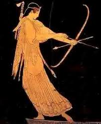 Figure 6. The Greek archer starts his form with bow lowered as he nocks the arrow into the string, the arrow itself hanging lower than the bow and the bowarm almost perpendicular to the shoulderline. Image may be copyrighted.